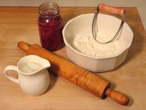 Ingredientes para una empanada de la cereza fotos de archivo libres de regalías