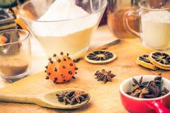 Ingredientes preparados para el pan de jengibre de la Navidad Imagen de archivo libre de regalías