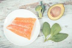 Ingredientes que contienen Omega 3 ácidos, grasas y fibra no saturada, forma de vida sana, nutrición y concepto ácido de la dieta foto de archivo libre de regalías