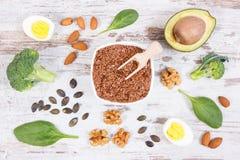 Ingredientes que contienen Omega 3 ácidos, grasas y fibra no saturada, forma de vida sana, nutrición y concepto ácido de la dieta imagen de archivo libre de regalías