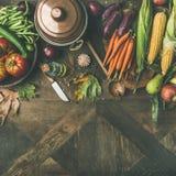 Ingredientes saudáveis do outono para o jantar do dia da ação de graças, colheita quadrada Fotos de Stock