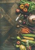 Ingredientes saudáveis do outono para a preparação do jantar do dia da ação de graças, espaço da cópia Foto de Stock