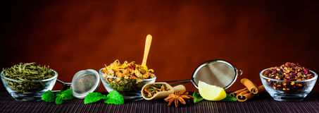 Ingredientes y utensilios del té Imagenes de archivo