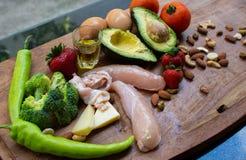 Ingredienti del cheto sulla tavola di legno immagine stock libera da diritti