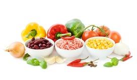 Ingredienti del peperoncino rosso su bianco Immagini Stock Libere da Diritti