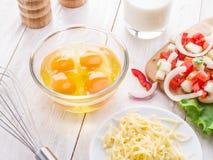 Ingredienti dell'omelette immagine stock libera da diritti