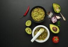 Ingredienti della salsa del guacamole Fotografie Stock Libere da Diritti