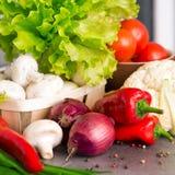 Ingredienti di alimento sulla cucina Fotografia Stock