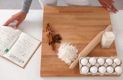 Ingredienti di cottura per la pasticceria dello shortcrust, tuffatore immagini stock