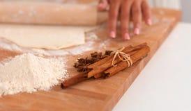 Ingredienti di cottura per la pasticceria dello shortcrust, tuffatore immagine stock