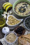Ingredienti di hummus Cucina del Medio-Oriente Alimento sano Immagini Stock