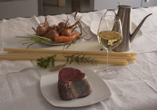Ingredienti genovesi delle ziti (pasta lunga del grano duro) Fotografia Stock Libera da Diritti