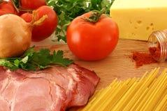 Ingredienti grezzi freschi per pasta Fotografia Stock