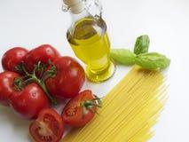 Ingredienti italiani degli spaghetti Immagine Stock