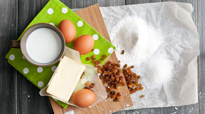 Ingredienti per il dolce di Pasqua fotografie stock