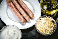 Ingredienti per la cottura dei pasti, salsiccie bavaresi Fotografie Stock Libere da Diritti