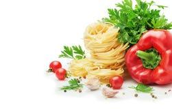 Ingredienti per la cottura della pasta Fotografia Stock
