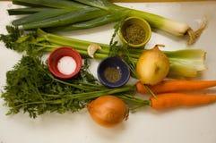 Ingredienti per la minestra del porro Fotografia Stock