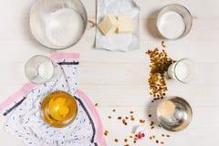 Ingredienti per la pasta di Pasqua fotografia stock
