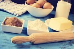 Ingredienti per la preparazione i biscotti o del dolce, con un effetto del filtro Fotografia Stock