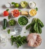 Ingredienti per minestra, salat Vista superiore Bio- alimento sano Verdure organiche fotografia stock libera da diritti