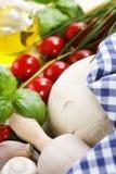 Ingredienti per pizza casalinga Immagini Stock Libere da Diritti