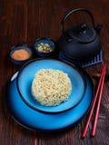 Ingredienti per Shin Ramyun, un piatto coreano popolare della tagliatella fotografia stock libera da diritti