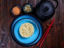 Ingredienti per Shin Ramyun, un piatto coreano popolare della tagliatella immagini stock libere da diritti