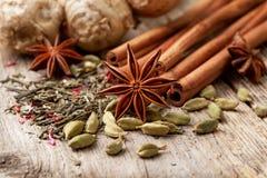 Ingredienti per tè con le spezie Fotografie Stock Libere da Diritti