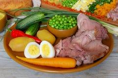 Ingredienti russi dell'insalata immagini stock