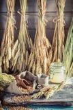Ingredienti sani per pane e panini con gli interi grani Immagini Stock Libere da Diritti