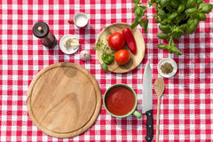 Ingredients for a tomatoe sauce Royalty Free Stock Photos