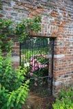 Ingresso del giardino segreto Fotografia Stock Libera da Diritti