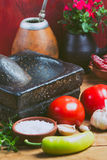 Ingridients para o molho de tomate latino-americano tradicional Fotografia de Stock Royalty Free