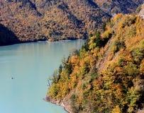 Inguri flod i Georgia Arkivfoto