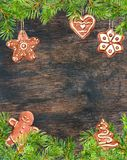 Ingwerplätzchen, Ingwerbrotmann, Weihnachtsbaumastrahmen Weihnachtskarte, leerer freier Raum watercolor lizenzfreie abbildung
