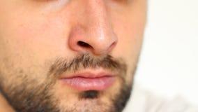Inhalación de la nariz almacen de metraje de vídeo