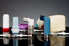 Inhaladores y jeringuillas Imágenes de archivo libres de regalías
