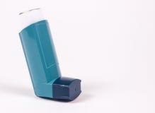 Inhalateur d'asthme d'isolement sur le blanc Image stock