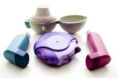 Inhaleertoestellen voor astma Stock Afbeeldingen