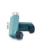 Inhaler άσθματος που απομονώνεται σε ένα άσπρο υπόβαθρο Στοκ Εικόνες