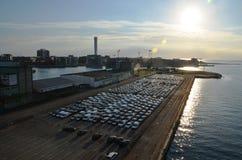 Inhaltsendstückfähre im Hafen Lizenzfreies Stockfoto