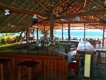 Inhassoro, Мозамбик - 9-ое декабря 2008:  бар на побережье  Стоковая Фотография