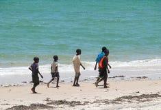 Inhassoro, Moçambique - 9 de dezembro de 2008: Costa do Oceano Índico. Th Foto de Stock Royalty Free
