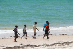 Inhassoro, Mozambique - 9 de diciembre de 2008: Costa del Océano Índico. Th Foto de archivo libre de regalías
