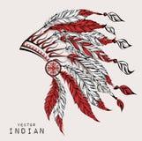 Inheemse Amerikaanse Indische leider Rode en zwarte voorn Indisch veerhoofddeksel van adelaar Stock Foto