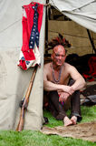 inheemse Amerikaanse mens in tipi Royalty-vrije Stock Foto