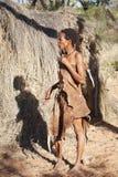 Inheemse Bosjesmannen in de Woestijn van Kalahari, Namibië stock fotografie