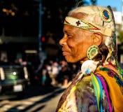 Inheemse Indische Amerikaanse vrouw Stock Foto's
