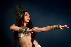Inheemse primitieve vrouw royalty-vrije stock afbeeldingen